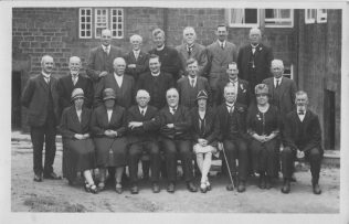 Group of members at Lower Cumberworth sometime between 1928 and 1932 when Rev. Harold Wright was minister. he is at the back third from the left. | Supplied by Martin Lazell