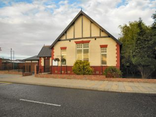 Chilton Methodist Chapel, Durham Road, 2011 | by David Dixon, https://www.geograph.org.uk/photo/2481875