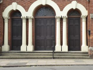 3 Northampton, Kettering Road, PM Chapel, entrance, 10.07.2019