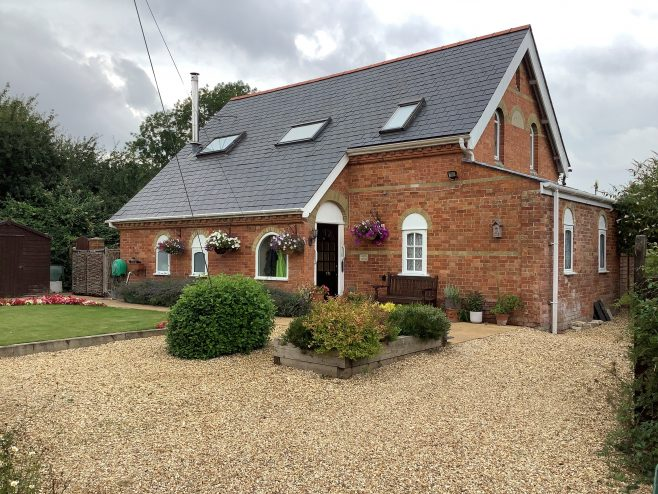 Chapel Cottage Shapwick Dorset, the former Shapwick Primitive Methodist chapel   Martin Reeves August 2021