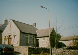 1903 Taddington Zion Primitive Methodist Chapel as it was in 2003 when it was for sale. It seated 50 | Keith Guyler 2003.