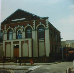 Dunstable Victoria Street  Primitive Methodist Chapel 1862 - 1980 | Keith Guyler 1980