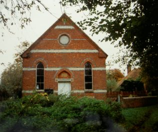 1872 Quick's Green Primitive Methodist Chapel, Ashampstead, as it was in 1989. It closed in 1971 and became a store. Romantically, it  reopened for one day in 1972 to celebrate its Centenary. | Keith Guyler 1989