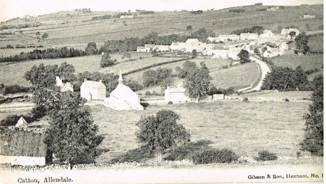 The chapel can be seen in the middle of the picture | postcard belonging to Steven Wild (postmarked 1907)