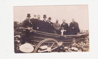 Primitive Methodists on a farm cart | Click on image to see a larger copy.