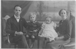 20 Jan 1917: 'This morning at about 10 o'clock our second son Thomas Edward passed away at the age of 9 months 14 days.'