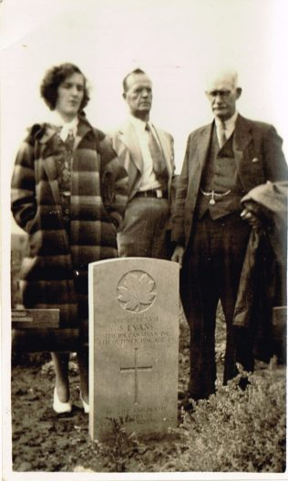 Albert with his son Enoch and grand daughter Irene, taken in 1938 at the graveside of his son Sam Evans, who was killed in World War 1 | Ross Parker