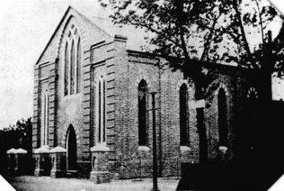 Photograph of the 1855 chapel | https://www.bridgewatch.org.uk/town.html#churches
